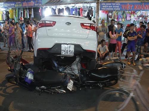 TPHCM: Không yêu cầu người dân chứng minh xe chính chủ