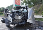 Xe bán tải chở gia đình đi đám cưới gặp nạn, 8 người thương vong