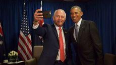 Thủ tướng Australia lưu luyến Obama, xin chụp selfie từ biệt