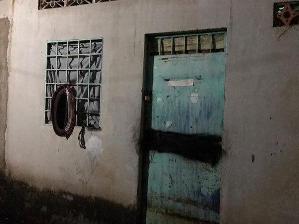 Bé 2 tuổi nghi bị người tình của mẹ hành hung đến chết