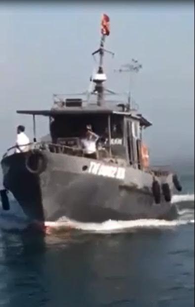 Tàu kiểm ngư Thanh Hóa đâm chìm tàu cá vi phạm