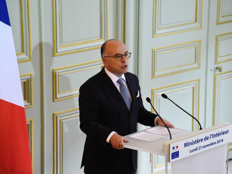 Bộ trưởng Nội vụ Pháp Bernard Cazeneuve