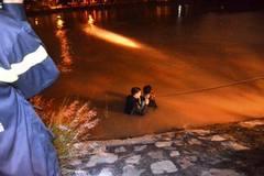 Mẹ ôm 2 con nhỏ nhảy sông tự tử ở Sài Gòn