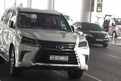 """Xôn xao với """"chuyên cơ mặt đất"""" Lexus LX570 2016 biển """"ngũ quý 8"""" tại Hà Nội"""