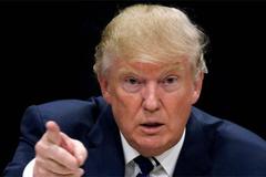 """Trump """"nhấn nút cài đặt lại"""" với báo chí"""