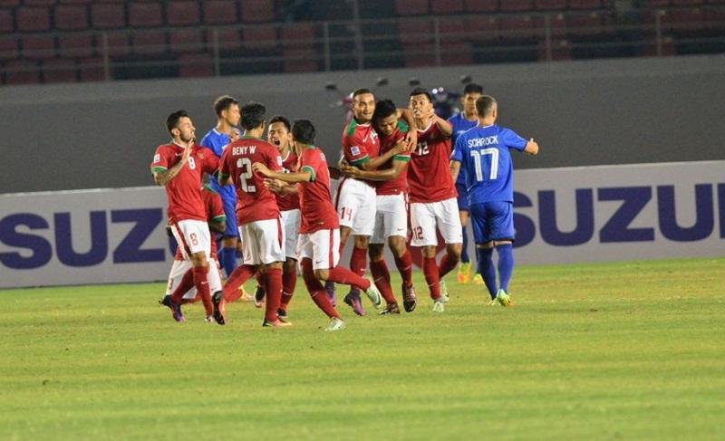 Indonesia đánh rơi chiến thắng, nguy cơ bị loại