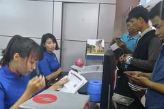 """""""Sốt xình xịch"""" vé tàu xe, máy bay dịp Tết Đinh Dậu 2017"""