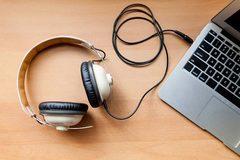Tai nghe có thể bị hacker lợi dụng làm công cụ nghe lén