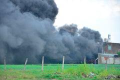 Nhà xưởng hơn 1000m2 chìm trong biển lửa ở Sài Gòn