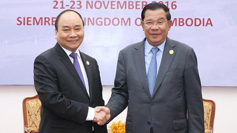Thủ tướng hội đàm với Thủ tướng Campuchia