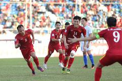 Xem bàn thắng quý như vàng của Trọng Hoàng cho ĐT Việt Nam