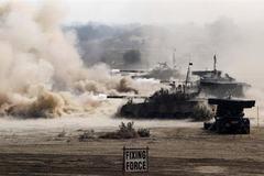 Ấn Độ và Pakistan đấu pháo dữ dội ở biên giới