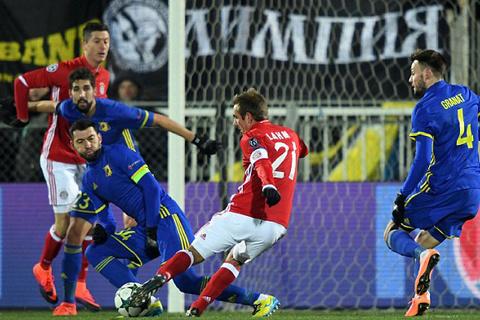 Bayern Munich thua sốc đàn em Rostov