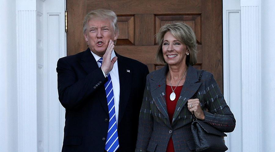 Trump chọn hai 'nữ tướng' đầu tiên vào nội các