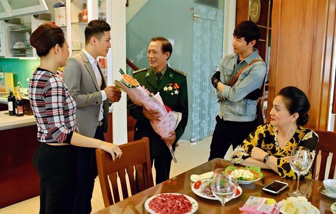 Chí Nhân thôi đóng cặp với Minh Hà trong phim mới