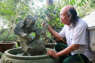 Bộ sưu tập độc thạch quý hiếm của lão ông Ninh Bình
