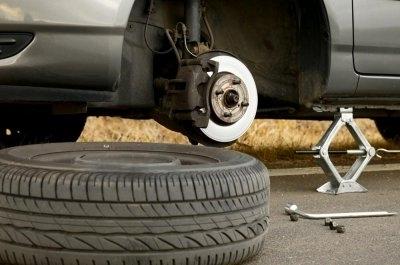 Nguyên tắc thay lốp xe ô tô không thể bỏ qua