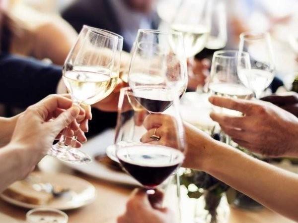 Cách chia tiền lý tưởng khi đi ăn với nhóm bạn