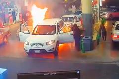 Ô tô cháy ở cây xăng, 3 đứa trẻ thoát chết ngoạn mục
