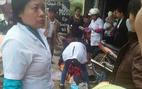 Đi xe máy lên Lào Cai đòi nợ, sản phụ sinh con bên đường