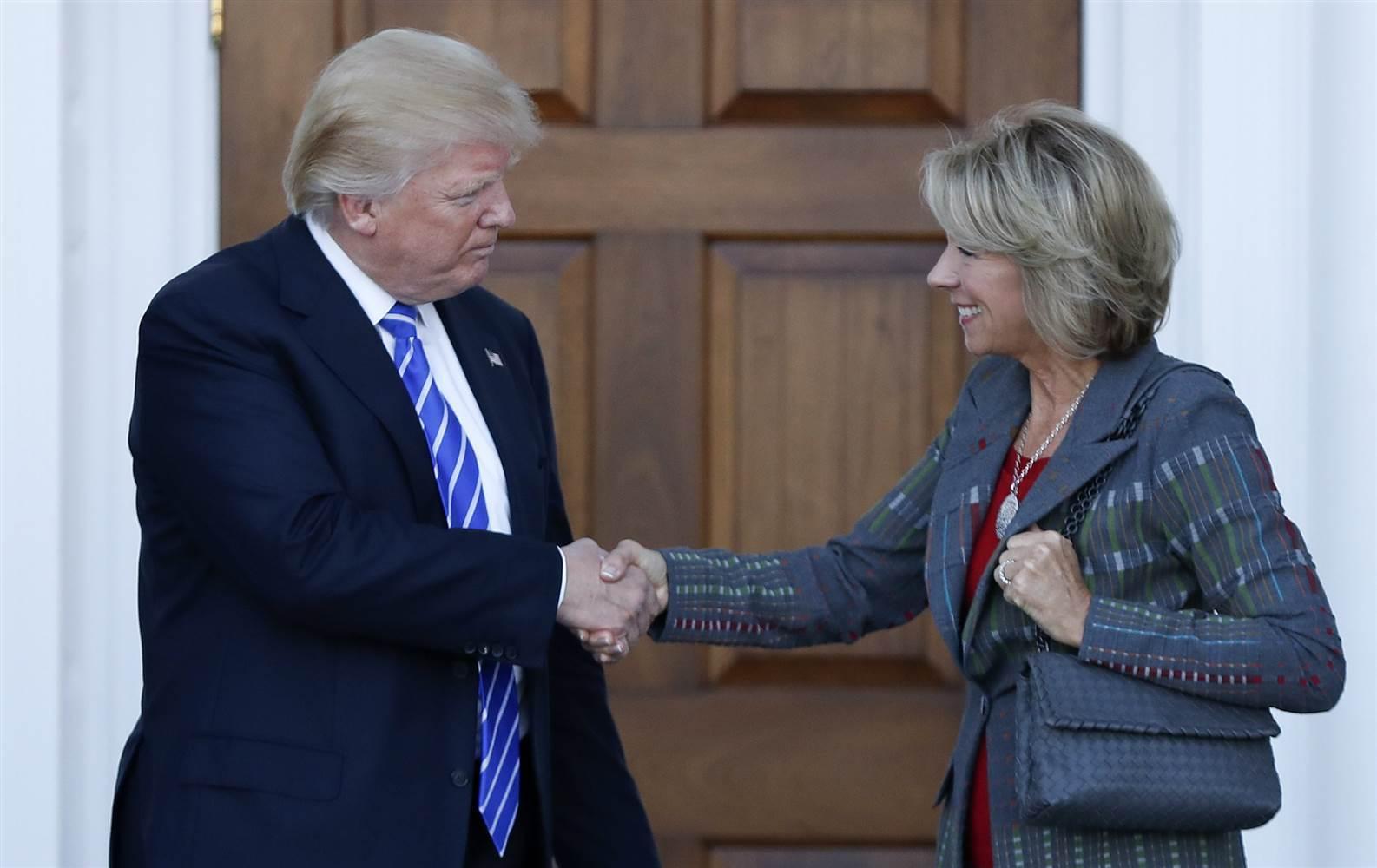 Nữ tỷ phú được ông Trump chọn làm Bộ trưởng Giáo dục Mỹ