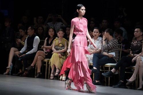 Vietnam Designer Fashion Week Fall- Winter 2016, Tuần lễ nhà thiết kế Việt Nam Thu- Đông 2016, Thanh Hằng, chân dài 1m2, Hằng Nguyễn, Cao Thiên Trang