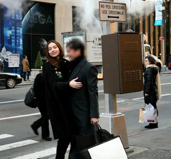 Vợ Chu Đăng Khoa nhận thua sau vụ chồng và Hà Hồ lộ ảnh ở Mỹ