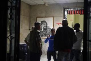 Người dân Cuba đau đớn khi nghe tin lãnh tụ qua đời