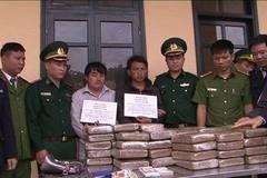 2 thanh niên Lào ngụy trang 60kg cần sa trên xe bán tải