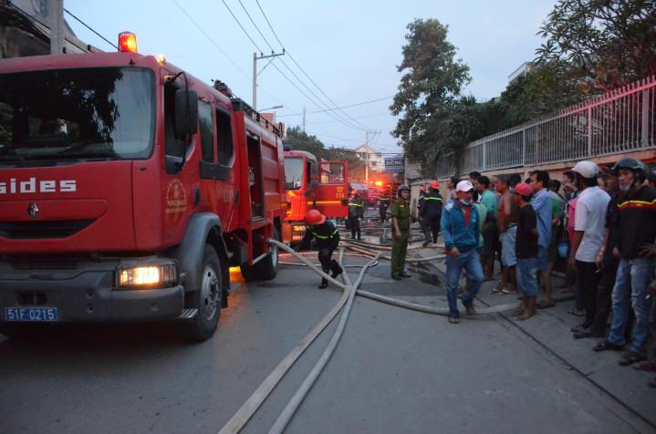 cháy nhà ở Sài Gòn, cháy chùa, lực lượng PCCC, dập lửa,