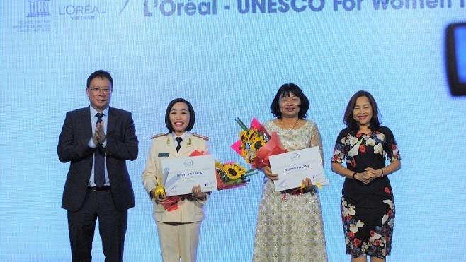 Vinh danh 5 nhà khoa học nữ xuất sắc Việt Nam năm 2016