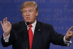Trump tuyên bố bỏ hẳn 'đế chế kinh doanh'