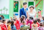 Bất ngờ với bộ ảnh cưới của cô giáo mầm non ngay trong trường