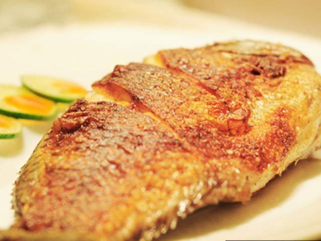 Mẹo rán cá giòn tan, làm gì để rán cá giòn tan, bí quyết rán cá vàng giòn, món ăn ngon, hướng dẫn nấu ăn, cách chọn cá ngon,