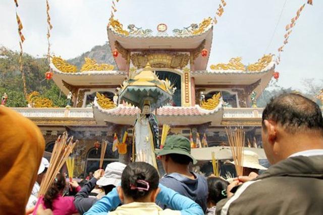 Những điểm du lịch tâm linh cho chuyến hành hương cuối năm - ảnh 10