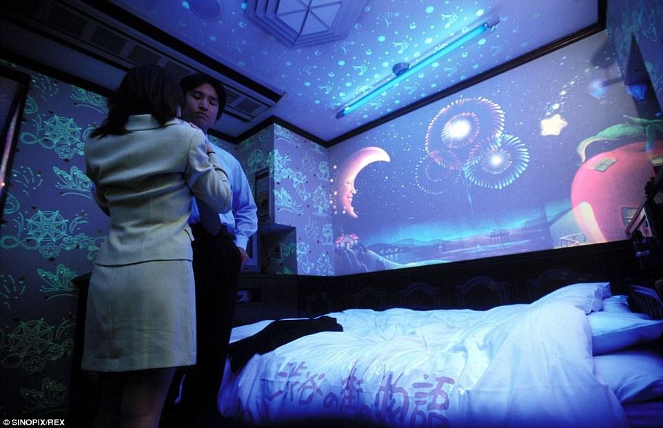 Bên trong khách sạn tình yêu tại Nhật