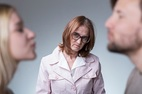 Đau đớn khi mẹ bắt tôi ly hôn vì lý do 'trời đánh'