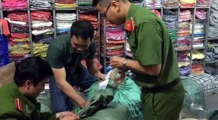 Hàng nghìn áo len Trung Quốc đội lốt len Đà Lạt