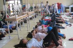 Trăm công nhân nhập viện nghi ngộ độc khi ăn bún