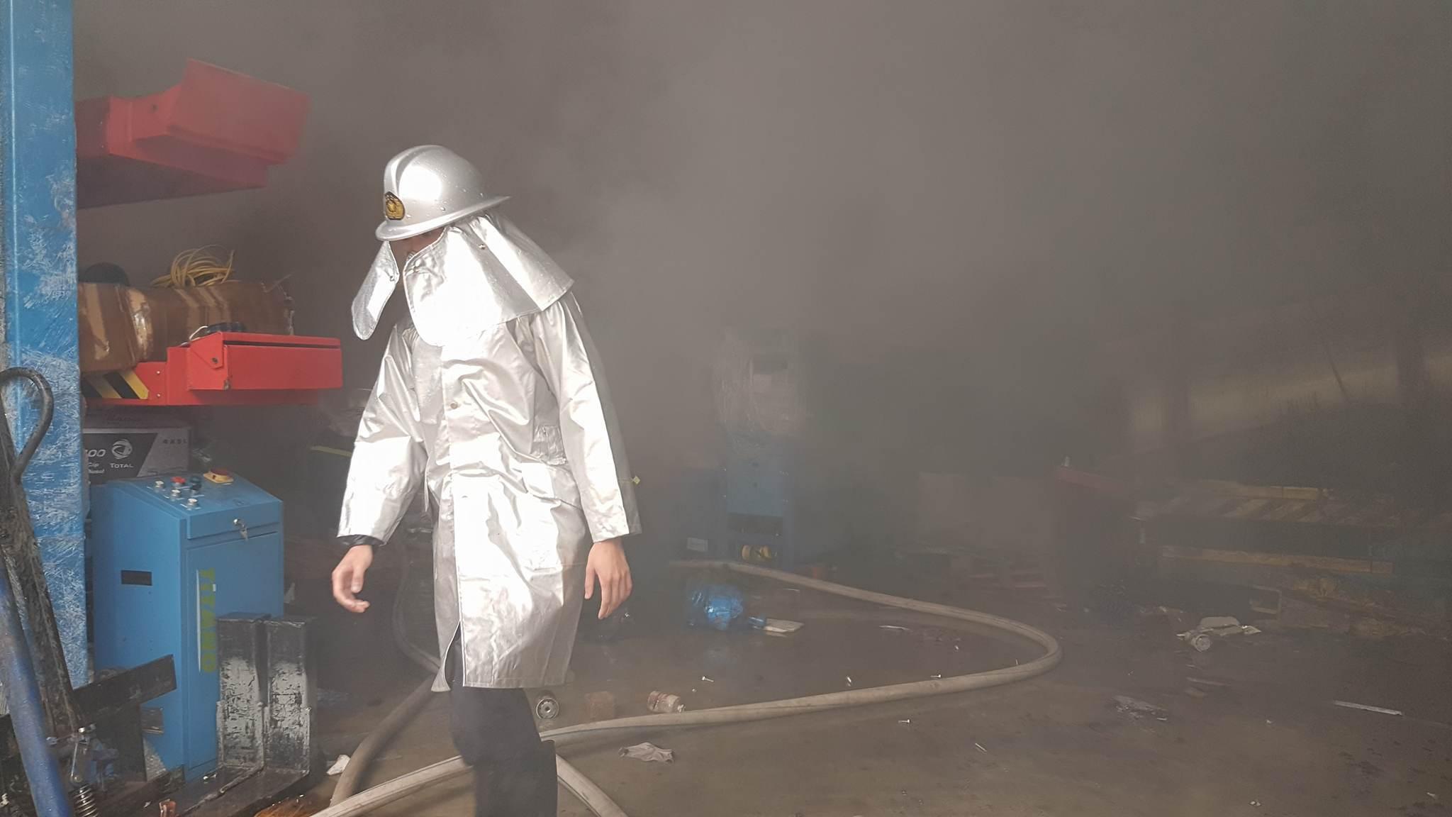 Cháy lớn khu công nghiệp Ngọc Hồi: Do hàn xì - ảnh 7
