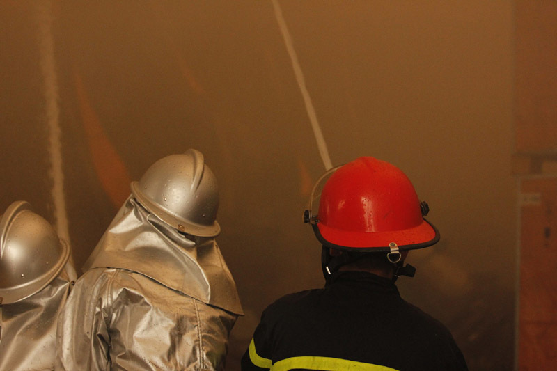 Cháy lớn khu công nghiệp Ngọc Hồi: Do hàn xì - ảnh 10