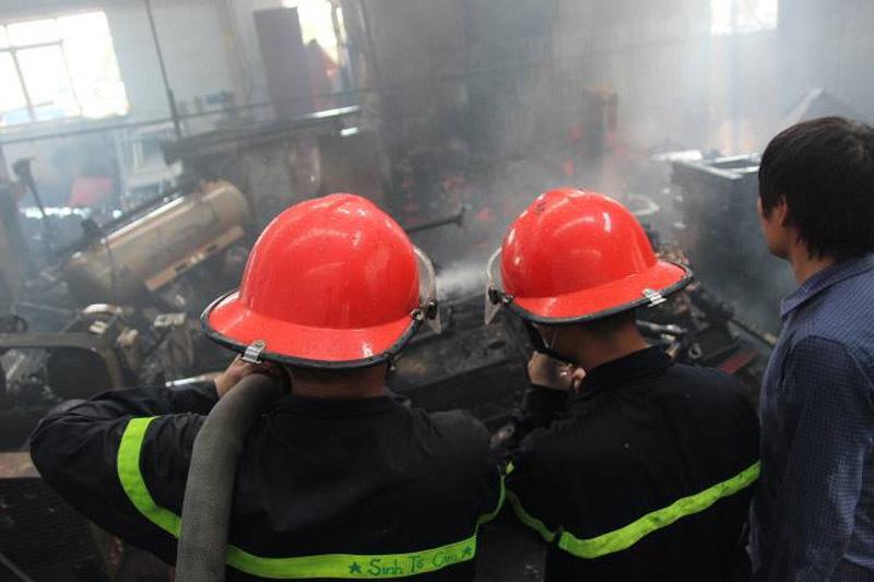 Cháy lớn khu công nghiệp Ngọc Hồi: Do hàn xì - ảnh 12