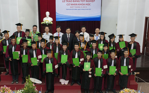 Lớp học có nhiều sinh viên lương khởi điểm 2.000 USD