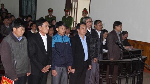 'Ăn đất' dự án Formosa, nguyên chủ tịch huyện lĩnh án