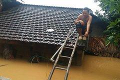Chủ quan, mưa lũ miền Trung làm 65 người chết, mất tích