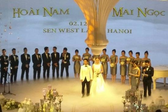 MC Mai Ngọc lộng lẫy trong đám cưới với bạn trai giàu có