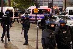 Bắt cóc con tin chấn động thủ đô Pháp