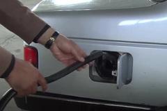 Iran tuyên bố phát minh động cơ xe hơi chạy bằng nước lã