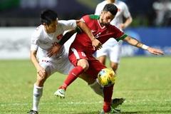 Tuyển Việt Nam: Hãy chơi bóng đi!