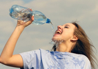 Uống quá nhiều nước cũng nguy hiểm đến tính mạng